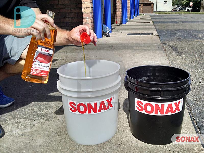 شامپو براق کننده غلیظ یک لیتری سوناکس مدل SONAX Gloss Shampoo Concentrate